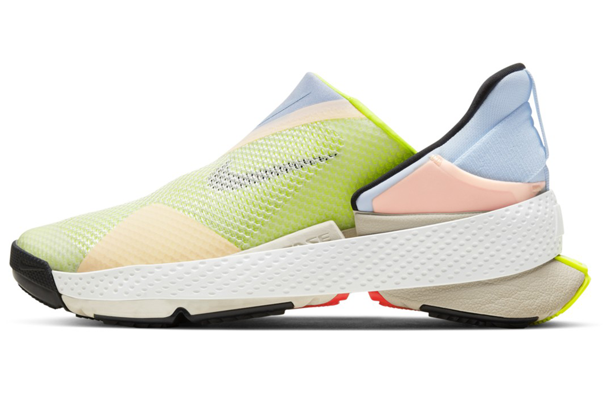 Prichádzajú nové tenisky od Nike, ktoré si obuješ aj vyzuješ bez použitia rúk
