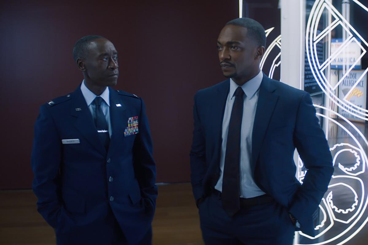 Don Cheadle získal nomináciu Emmy za malú rolu z Falcon & The Winter Soldier. Sám nevie prečo