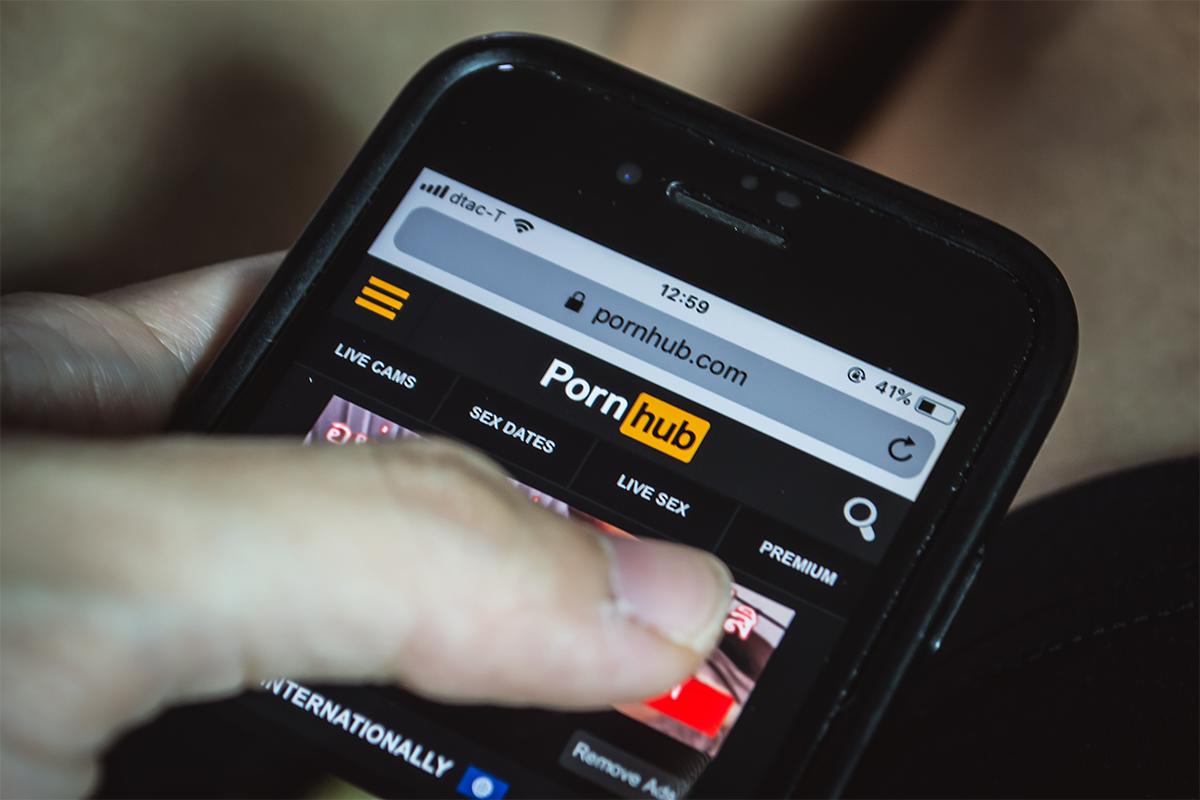 Štát Utah vydal nariadenie, podľa ktorého musia byť na smartfónoch blokované šteklivé stránky