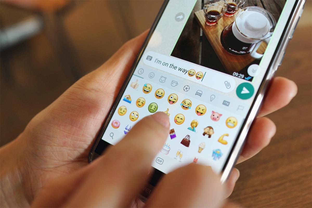 Do našich zariadení pribudne 37 nových emojis. Nájdeš medzi nimi aj tehotného muža