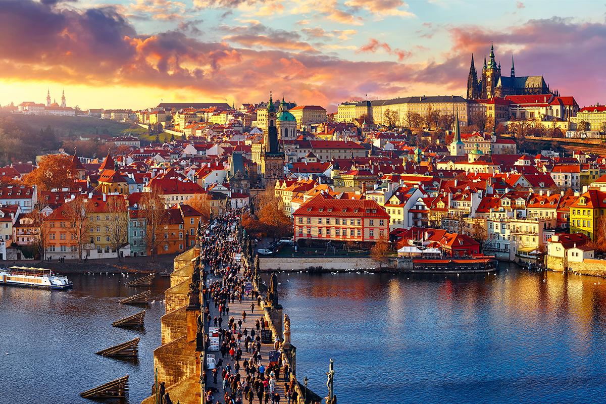 Praha bola vyhlásená za najkrajšie mesto na svete. Predbehla aj Paríž či New York