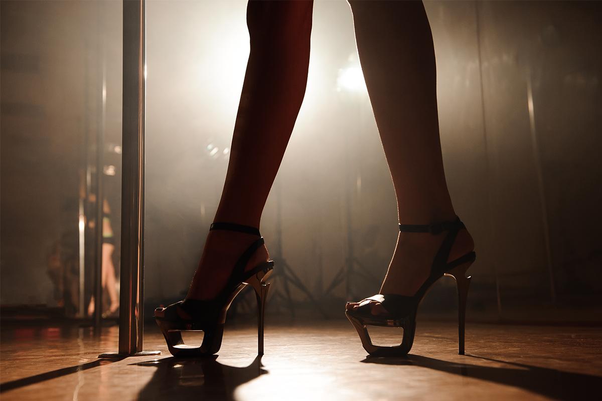 Žena pomocou powerpointovej prezentácie rodičom prezradila, že pracuje ako striptérka