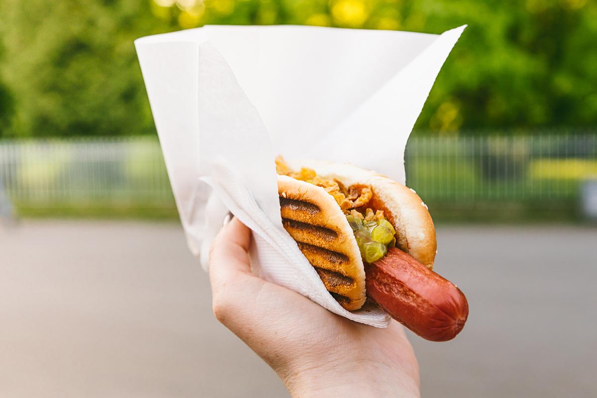 Jeden hotdog ti podľa novej vedeckej štúdie skráti život o 36 minút