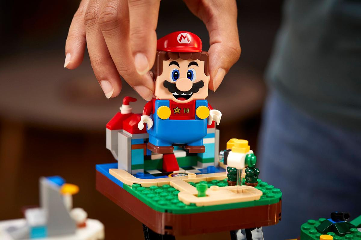 Spoločnosť LEGO predstavila stavebnice v štýle legendárnej videohry Super Mario 64